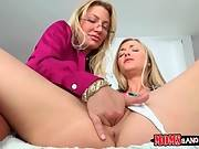 Experienced Milf Pleases Pretty Young Babe 2
