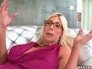Amazing Milf Jewels Jade Poses For Camera 1